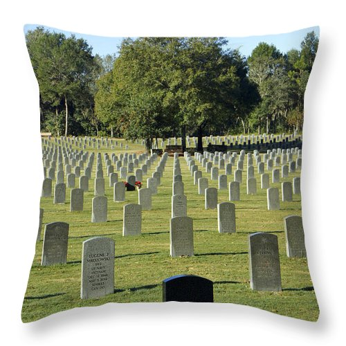 Wreath Throw Pillow featuring the photograph Bushnell National Cemetary by Laurie Perry