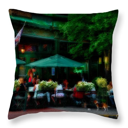 Cafe Throw Pillow featuring the photograph Cafe Alfresco by Susan Candelario