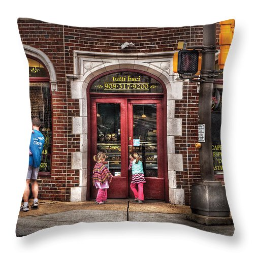Traffic Light Throw Pillow featuring the photograph Cafe - The Italian Bakery by Mike Savad