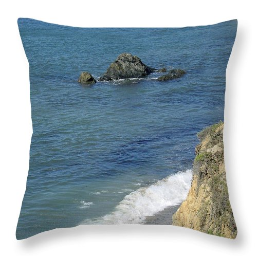 Califormia Throw Pillow featuring the photograph California Coastline by Suzanne Gaff