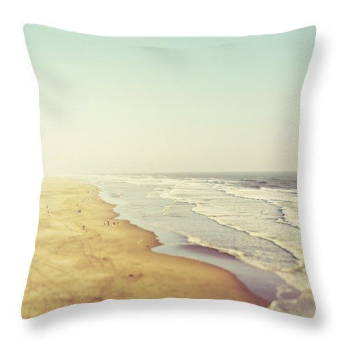 Beach Throw Pillow featuring the photograph California Dreamin' by Irene Suchocki