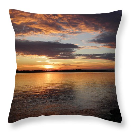 Sunsets Throw Pillow featuring the photograph Canadian Sunset by Georgia Hamlin