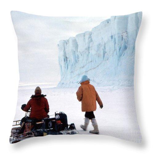 Cape Evans Throw Pillow featuring the photograph Capeevans-antarctica-g.punt-2 by Gordon Punt