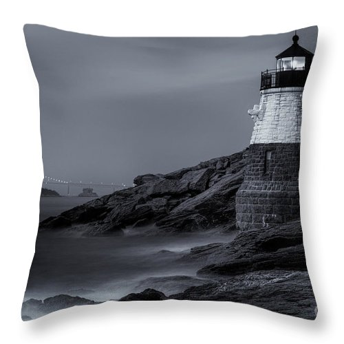 Atlantic Throw Pillow featuring the photograph Castle Hill Lighthouse Bw by Jerry Fornarotto