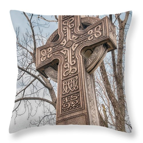Buffalo Throw Pillow featuring the photograph Celtic Cross  3d22463 by Guy Whiteley