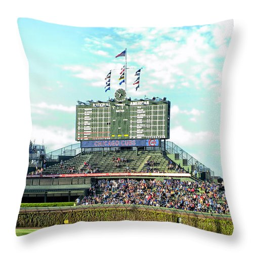 Chicago Cubs Throw Pillow featuring the photograph Chicago Cubs Scoreboard 01 by Thomas Woolworth