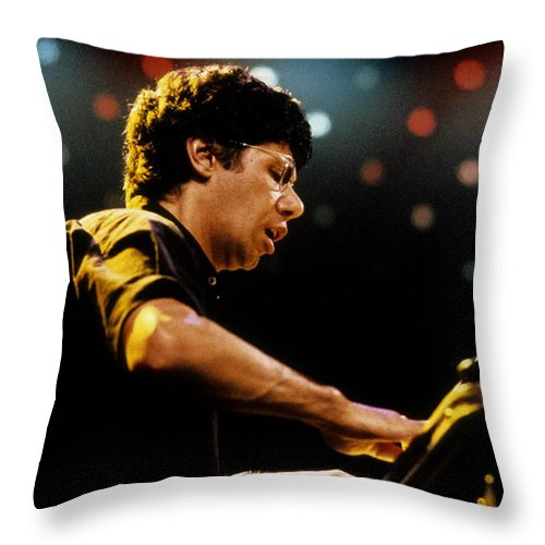 News Throw Pillow featuring the photograph Chick Corea by Pierre Roussel