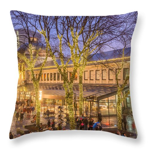 America Throw Pillow featuring the photograph Christmas Crowd At Quincy Market by Susan Cole Kelly