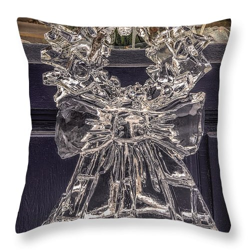 Ice Carving Throw Pillow featuring the photograph Christmas Wreath Ice Sculpture by LeeAnn McLaneGoetz McLaneGoetzStudioLLCcom