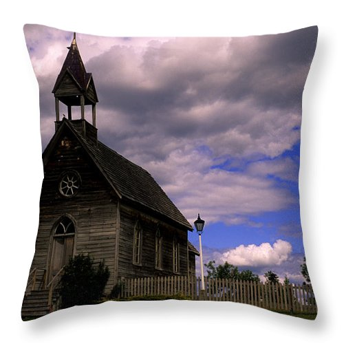 Okeefe Ranch Throw Pillow featuring the photograph Church At The Okeefe Ranch by Bob Christopher