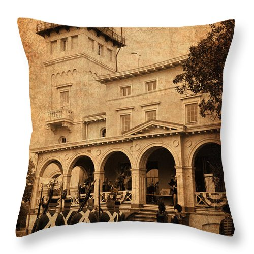 Baltimore Throw Pillow featuring the photograph Clifton Mansion by W M Dunn