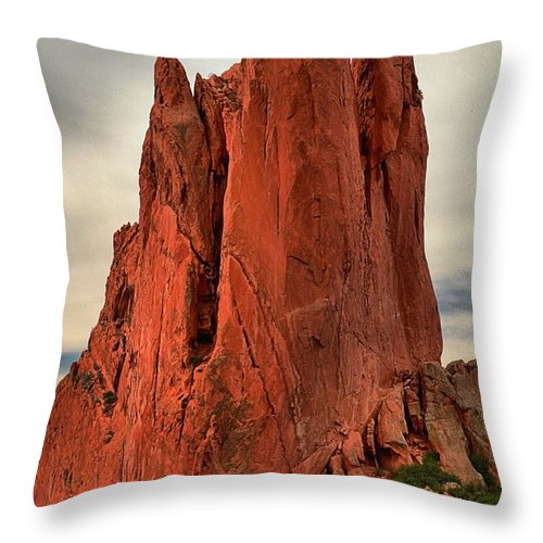 Garden Of The Gods Throw Pillow featuring the photograph Climbers Challenge by Adam Jewell