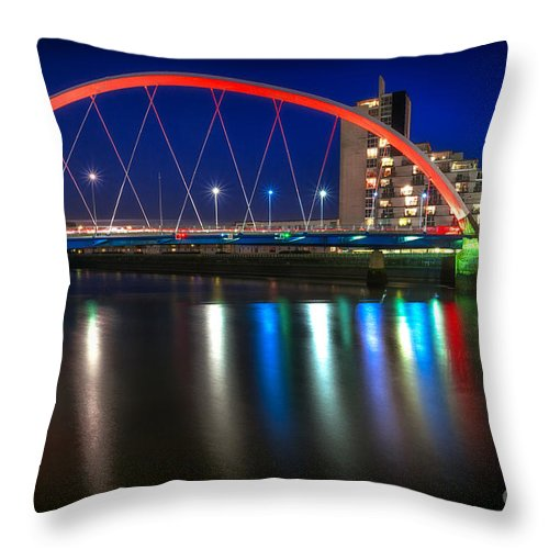 Glasgow Scene Throw Pillow featuring the photograph Clyde Arc Glasgow At Night by John Farnan