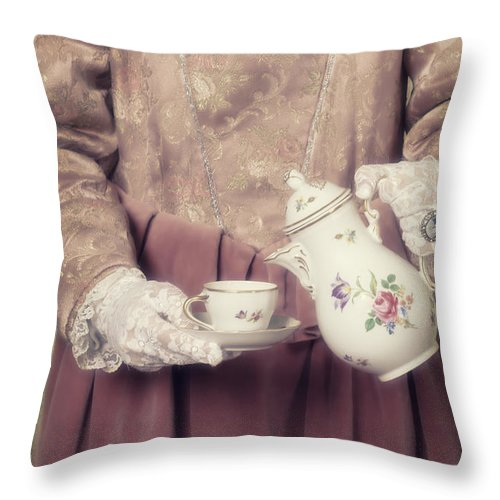 Woman Throw Pillow featuring the photograph Coffee Time by Joana Kruse