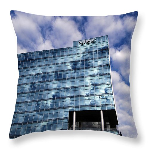 Scenic Tours Throw Pillow featuring the photograph Columbia South Carolina by Skip Willits