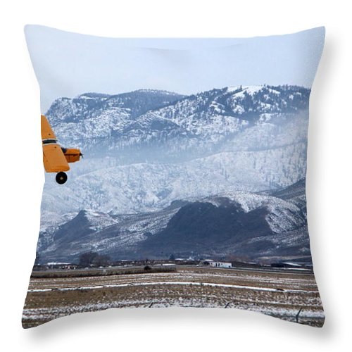 Airplane Throw Pillow featuring the photograph Coming Around by Kathy Bassett