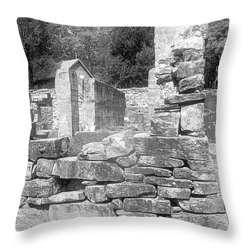 Cosley Mill Throw Pillow featuring the photograph Cosley Mill Ruins In Black And White by James Potts