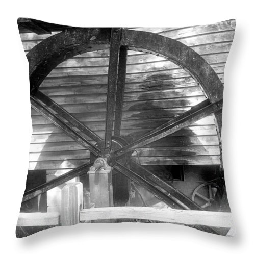 Black And White Throw Pillow featuring the photograph Cosley Mill Waterwheel In Black And White by James Potts
