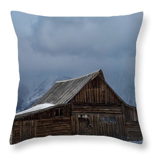 Old Barn Throw Pillow featuring the photograph Country Christmas by Wildlife Fine Art