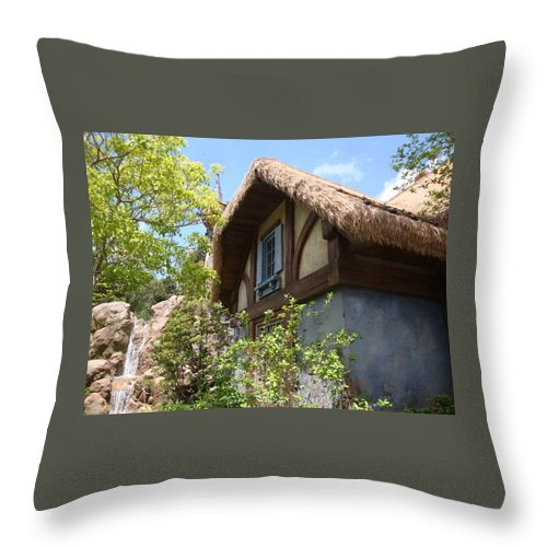 Cottage Throw Pillow featuring the photograph Country Cottage by Kim Chernecky