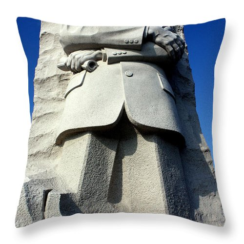 Martin Luther King Throw Pillow featuring the photograph Courage by Suzanne Stout