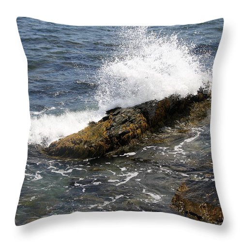 Crashing Waves Throw Pillow featuring the photograph Crashing Waves - Rhode Island by Christiane Schulze Art And Photography