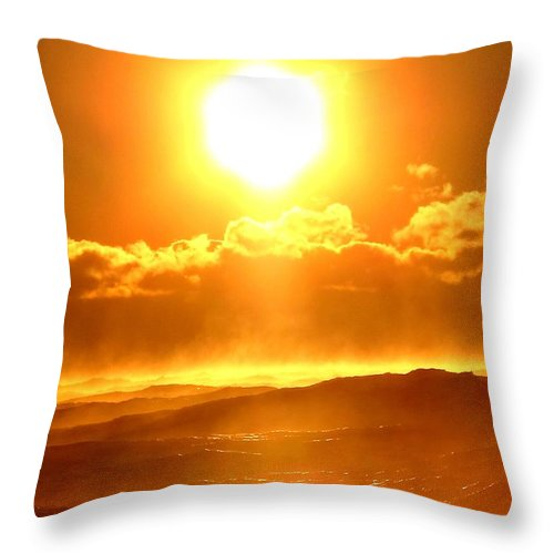 #donniefreeman Throw Pillow featuring the photograph Crispy Cold Atlantic by Donnie Freeman