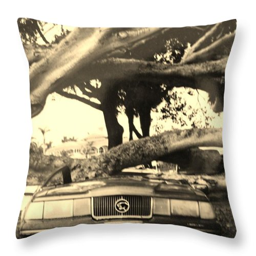 Cars Throw Pillow featuring the photograph Crushed Merc by Rob Hans