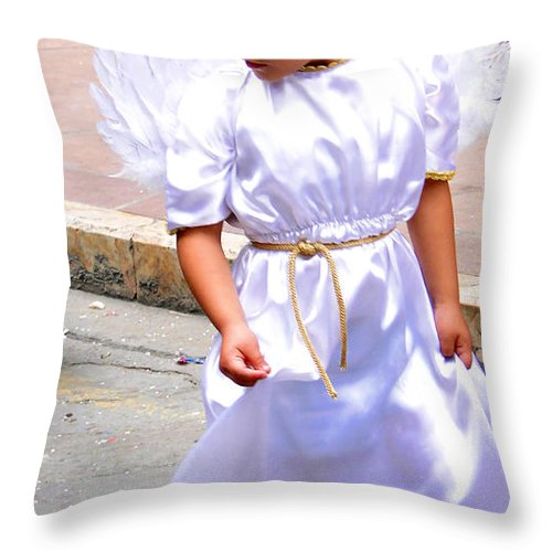 Girl Throw Pillow featuring the photograph Cuenca Kids 230 by Al Bourassa