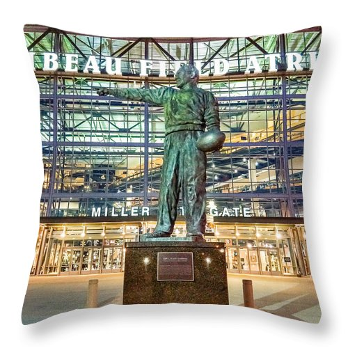 Bill Pevlor Throw Pillow featuring the photograph Curly At Lambeau by Bill Pevlor