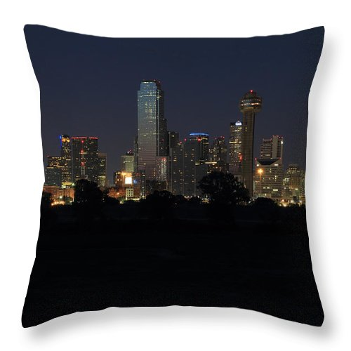 Dallas Throw Pillow featuring the photograph Dallas Skyline Twilight by Jonathan Davison