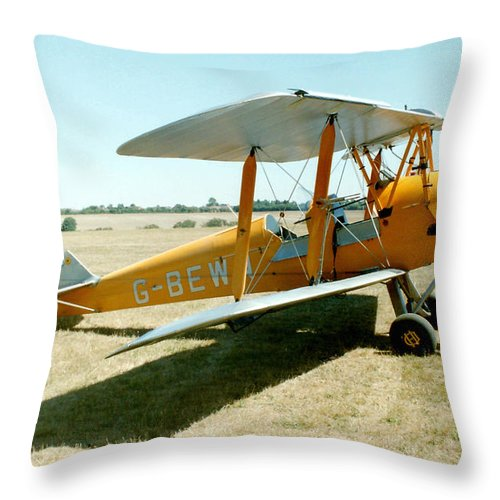 De Havilland Throw Pillow featuring the photograph De-havilland Tiger Moth by Ted Denyer