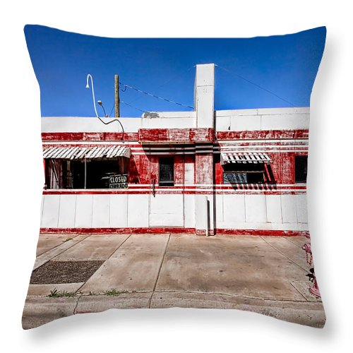 Arizona Throw Pillow featuring the photograph Diner by Peter Tellone