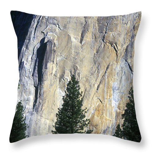 El Capitan Throw Pillow featuring the photograph Disappearing Into The Wall by Paul W Faust - Impressions of Light