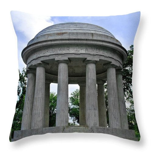 District Of Columbia War Memorial Throw Pillow featuring the photograph District Of Columbia War Memorial by Jemmy Archer