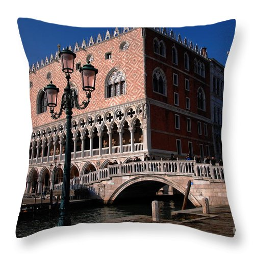 Bridge Of Sighs Throw Pillow featuring the photograph Doges Palace With Bridge Of Sighs by Jacqueline M Lewis