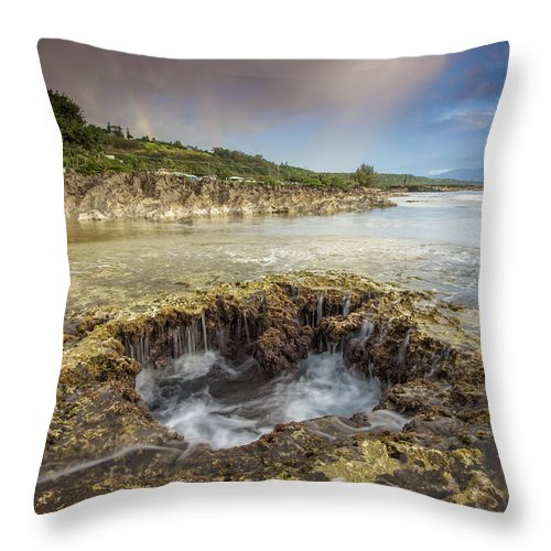 Oahu Throw Pillow featuring the photograph Double Rainbow At Sharks Cove by Robert Aycock