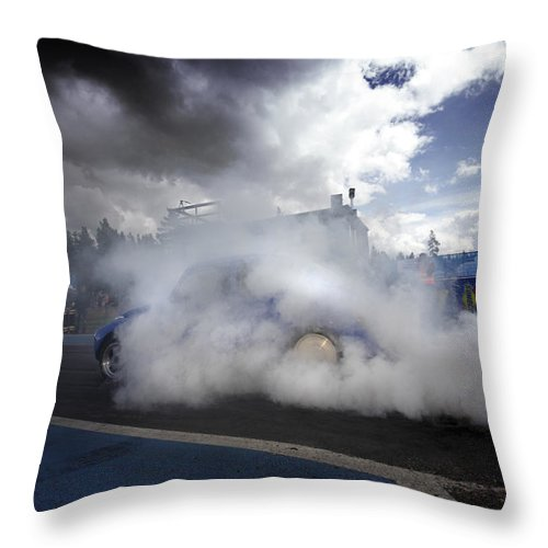 1/4 Mile Throw Pillow featuring the photograph Drag Racing 11 by Stefan Bau