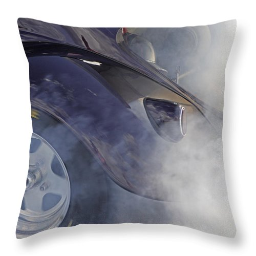 1/4 Mile Throw Pillow featuring the photograph Drag Racing 12 by Stefan Bau