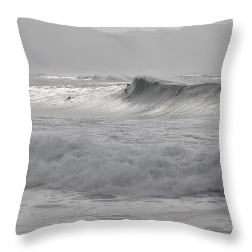 Hawaii Throw Pillow featuring the photograph Drop In. by Keith Harkin
