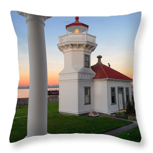 America Throw Pillow featuring the photograph Dusk At Mukilteo Lighhouse by Inge Johnsson