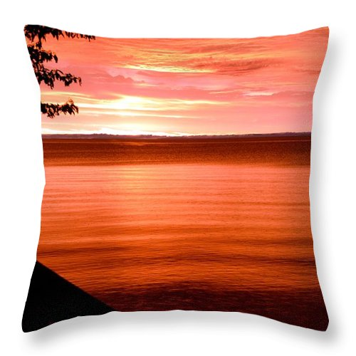 Sunrise Throw Pillow featuring the photograph Early Morning by Lorraine Paffenroth