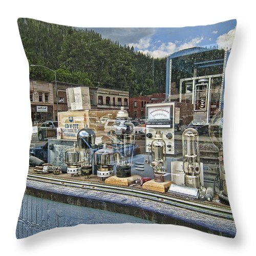 vacuum Tubes Throw Pillow featuring the photograph Electronic Shop Window by Daniel Hagerman