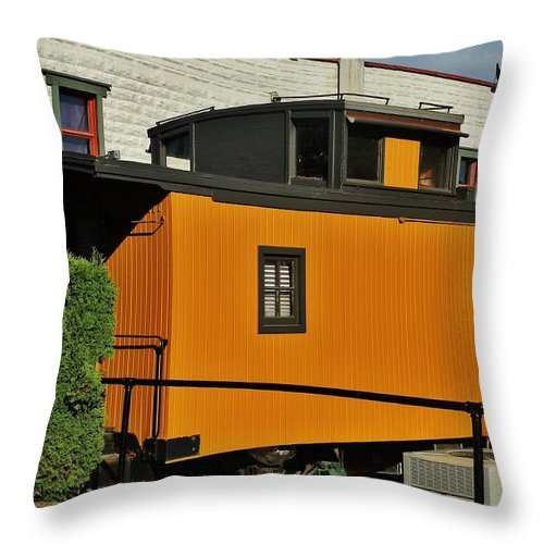 Vehicle Throw Pillow featuring the photograph Eugene Caboose by VLee Watson