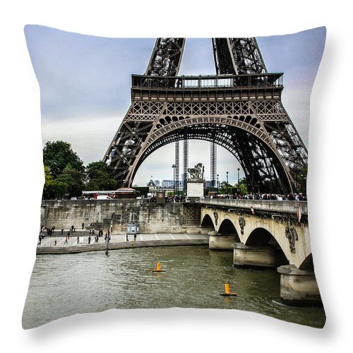 River Seine Paris Throw Pillow featuring the photograph Evening In Paris by Mehul Dave