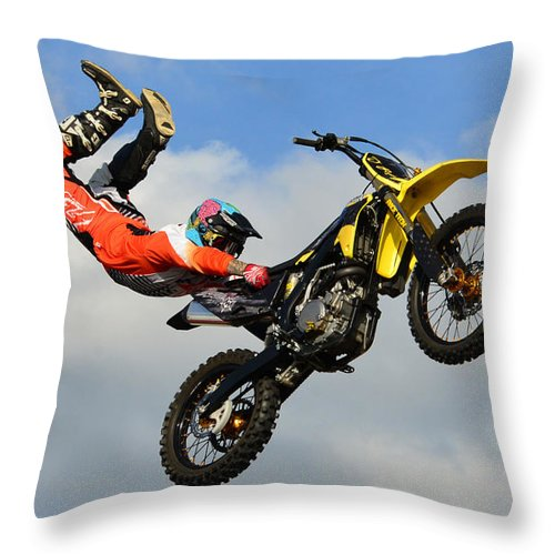 Hold On Throw Pillow featuring the photograph Hold On by David Lee Thompson
