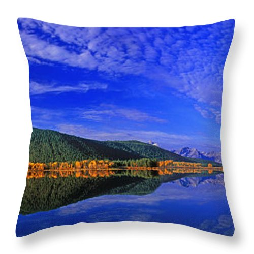 North America Throw Pillow featuring the photograph Fall Color Oxbow Bend Grand Tetons National Park Wyoming by Dave Welling