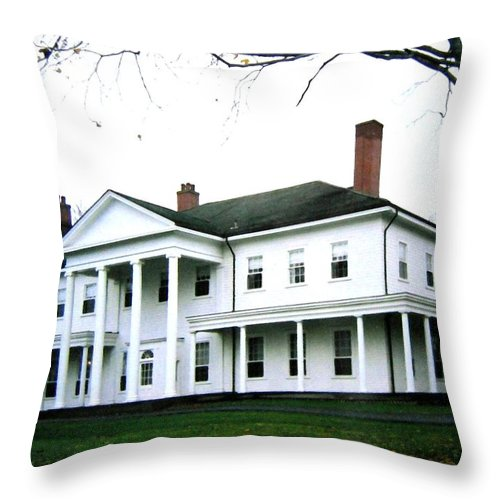 Fanningbank Throw Pillow featuring the photograph Fanningbank by Will Borden