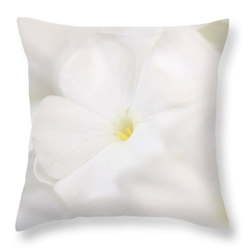 Floral Throw Pillow featuring the photograph Floralcloud by Janice Bajek