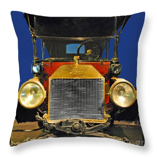 Ford Throw Pillow featuring the photograph Ford Model T by Jost Houk